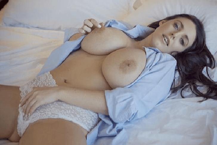Geile Hausfrau mit pralle Naturtitten sucht seriöse Sextreffen